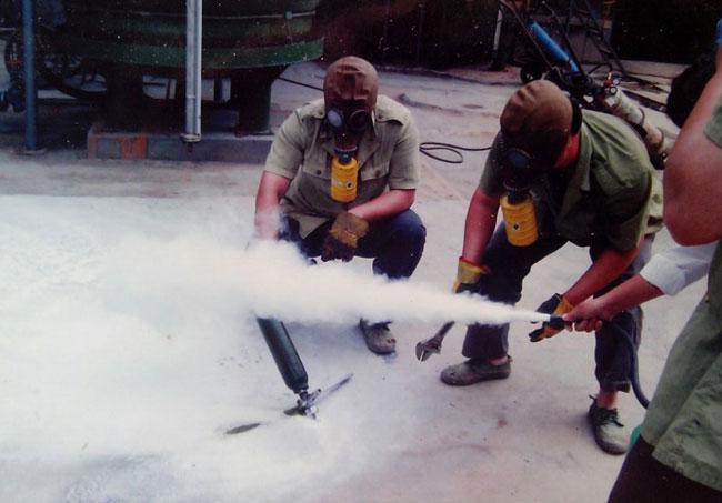 新泰胜原化工和创意化工氯气抢险实验现场